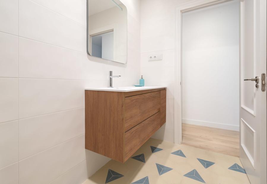 Vista General del baño con Mosaico Hidráulico Hexagonal