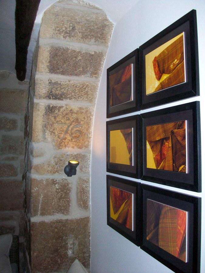 Vista interior. Detalla iluminación decoración interior