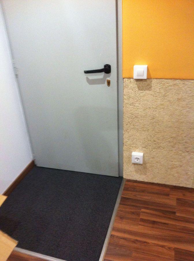 Vista puerta acústica