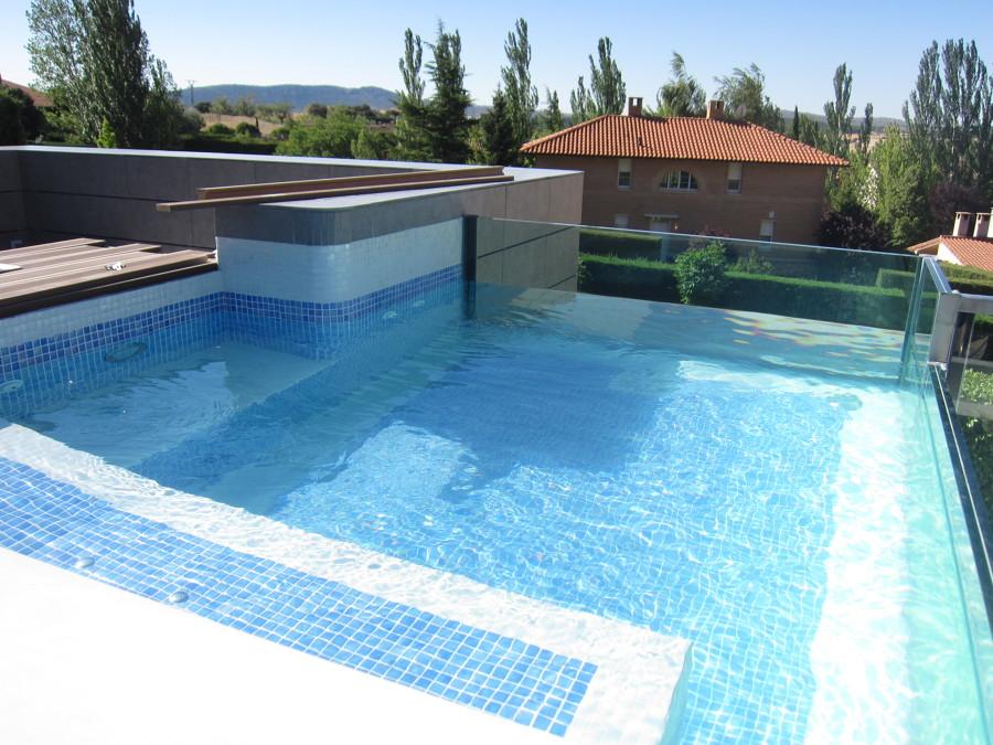 Proyecto de cenador y piscina en vivienda unifamiliar for Proyecto de piscina