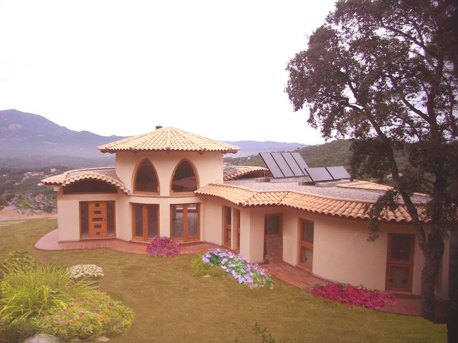 Vivienda Bioclimática y Bioconstructiva Montseny