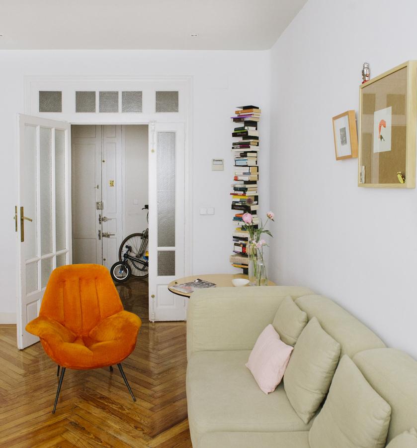 salón con decoración low cost