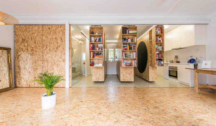 Una vivienda con tableros osb que se transforma seg n tus for Ayudas para reformas de viviendas
