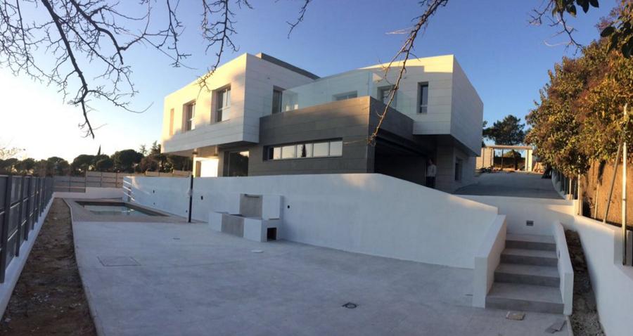 Vivienda unifamiliar casa villacampa ideas construcci n for Viviendas lujo madrid