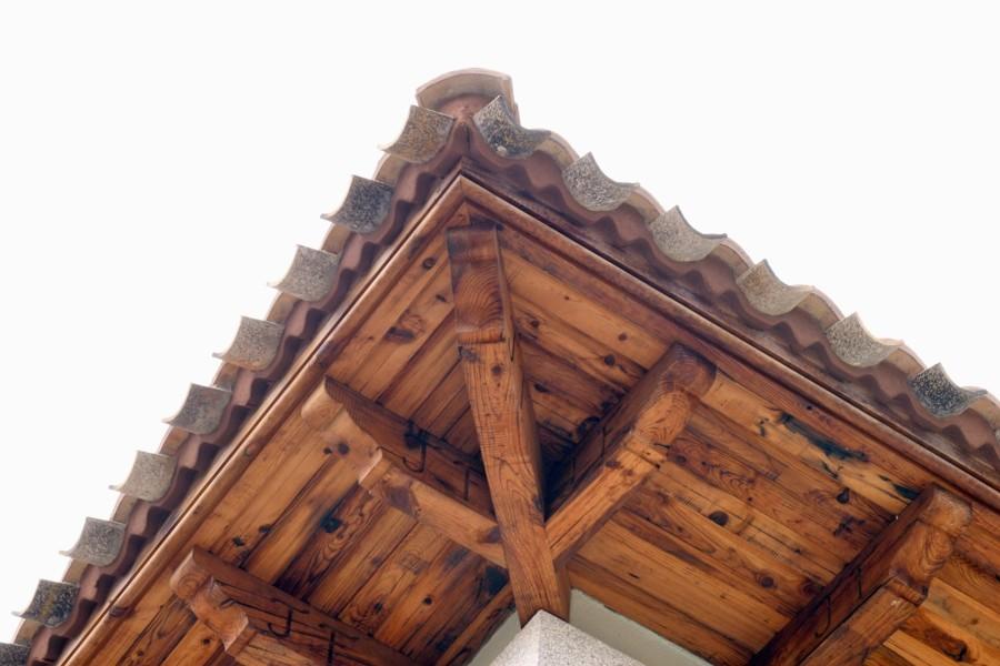 Voladizo de madera