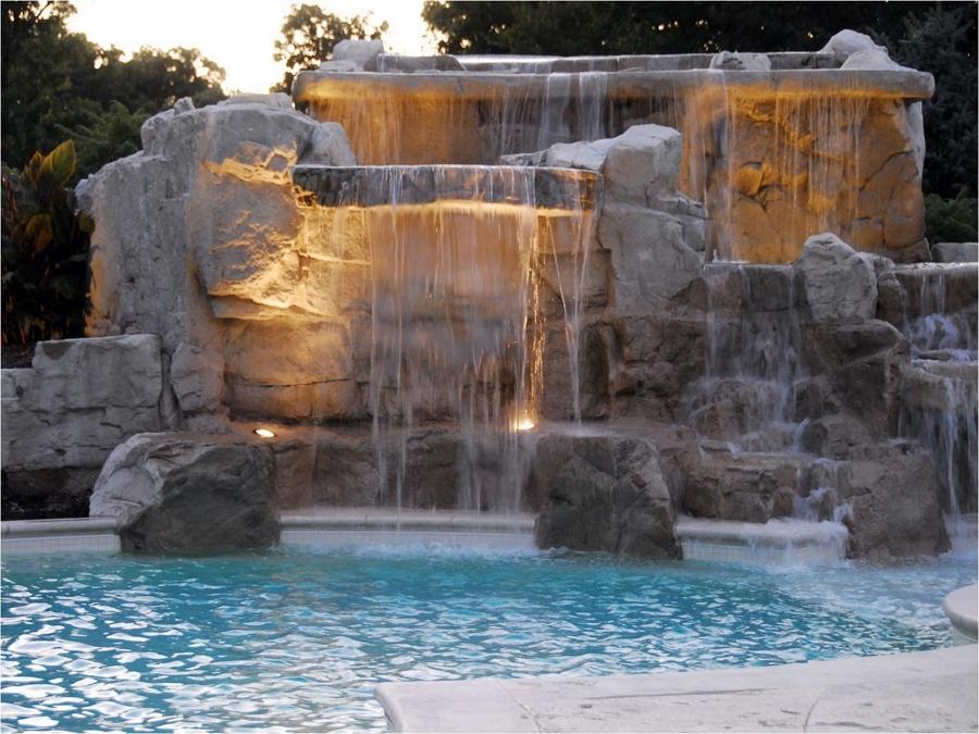 Foto waterfall pool de miriam mart 845790 habitissimo - Decoradores en toledo ...