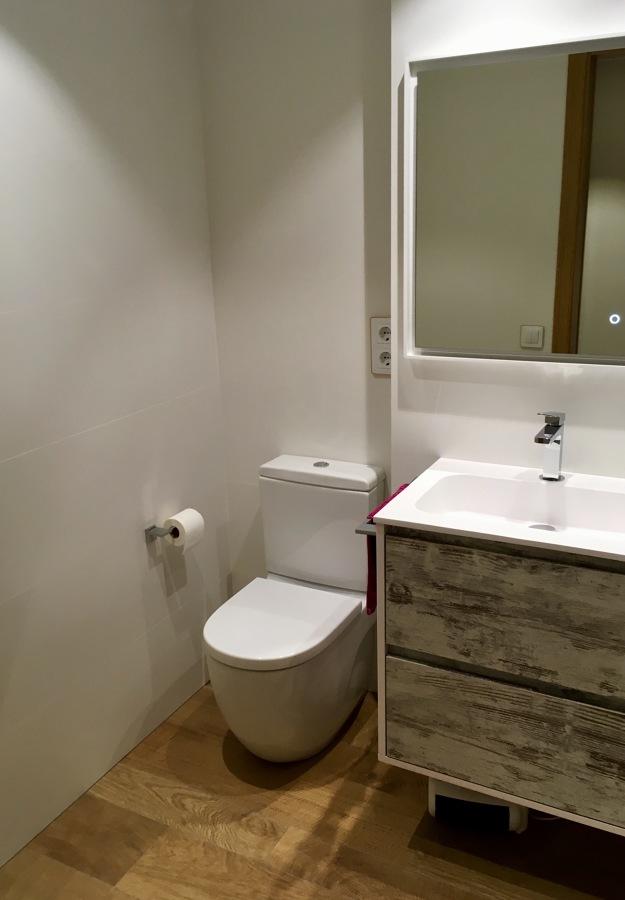 WC Roca Meridian