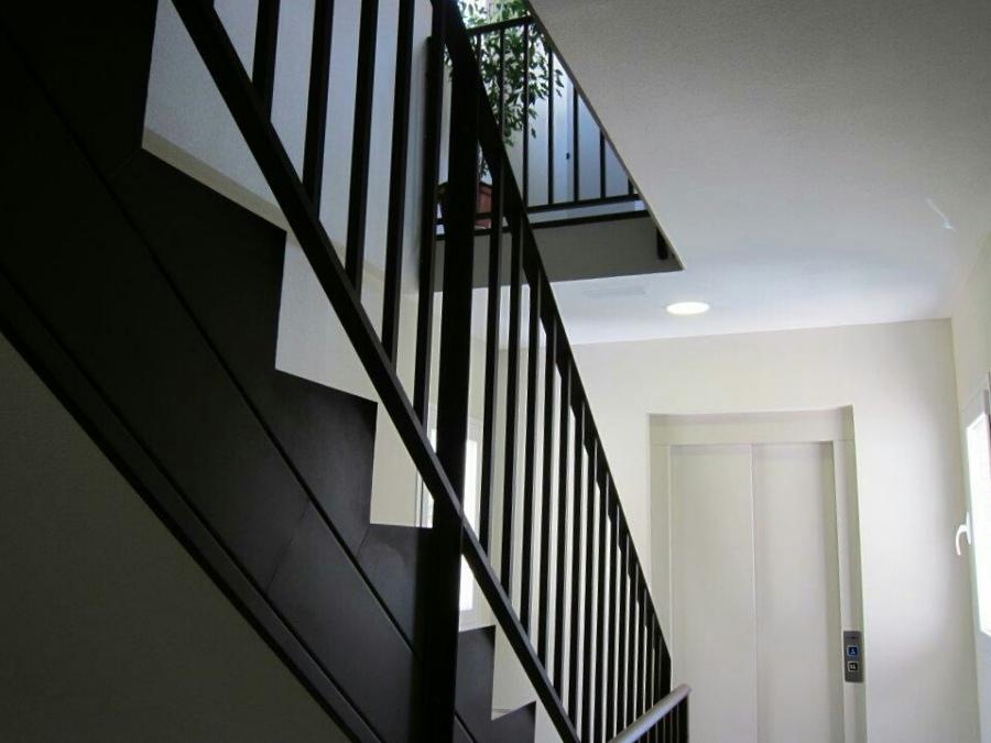 Zanca de escalera+barandilla