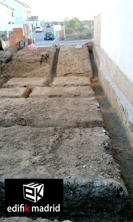 Construcci n de obra nueva chalet adosado municipio de for Construccion de casas paso a paso