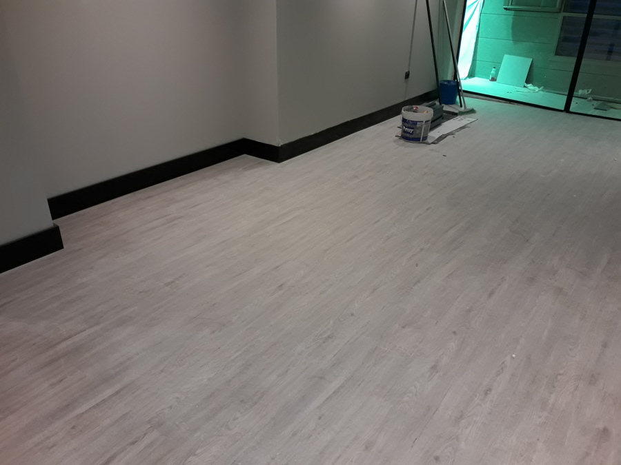 instalaci n de suelo de pvc y pavimento fitness en