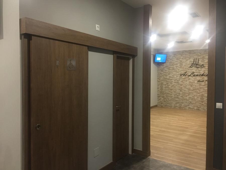 Zona acceso a baños y comedor