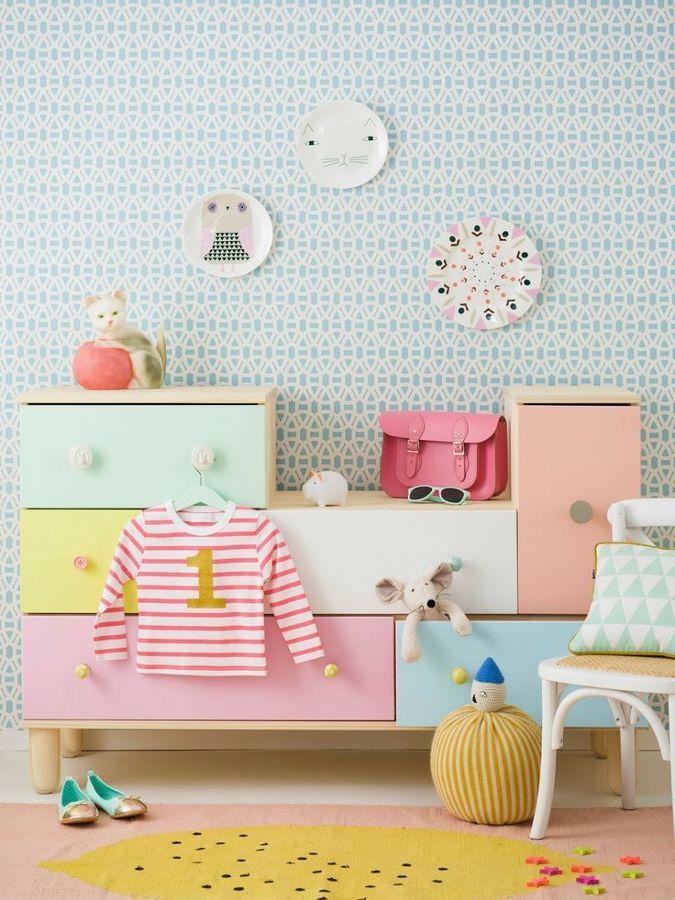 Zona de almacenaje en dormitorio infantil