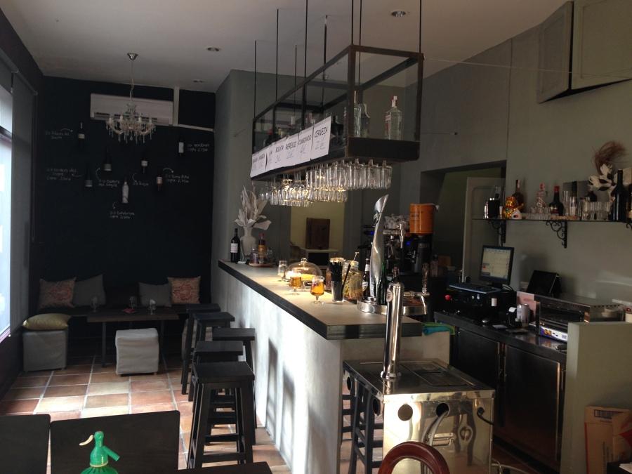 No necesitas un local grande para montar un bar ideas arquitectos t cnicos - Presupuesto para montar un bar ...