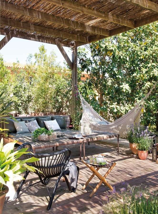 Zona de descanso en jardín