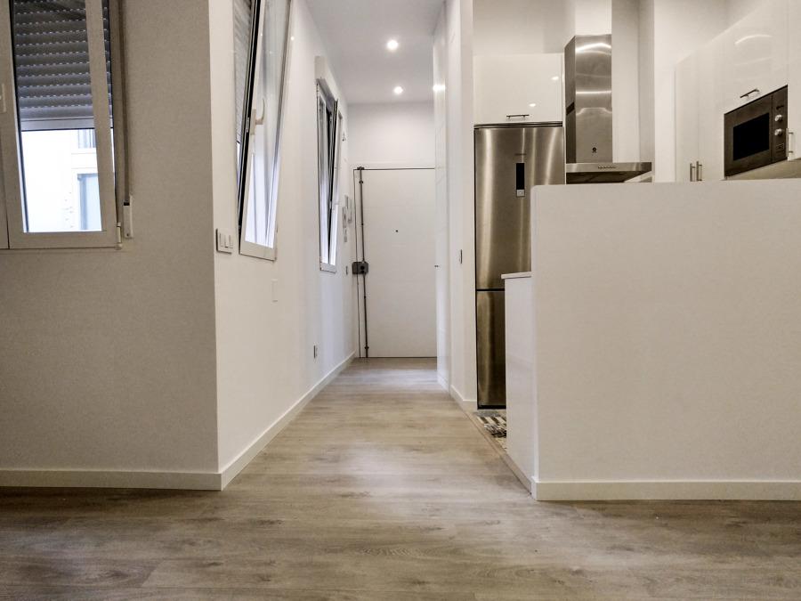 Zona de entrada y cocina