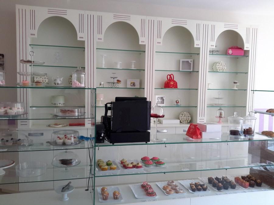 Foto zona de exposici n y venta de rey cocinas 736507 for Muebles rey zamora
