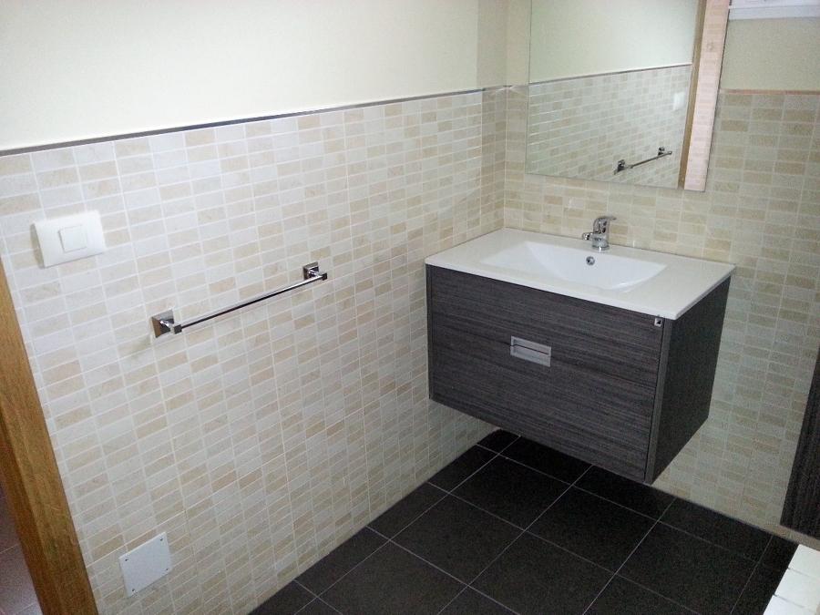 Reforma Baño Infantil: ,on y reforma baño casa 12 para Aldeas Infantiles en Redondela