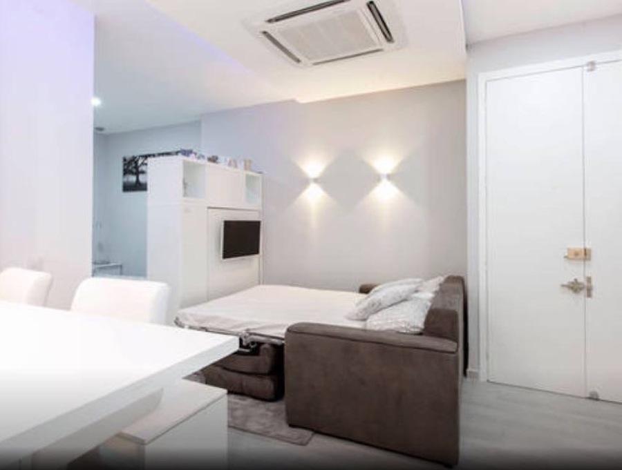 zona de salón convertida en dormitorio....