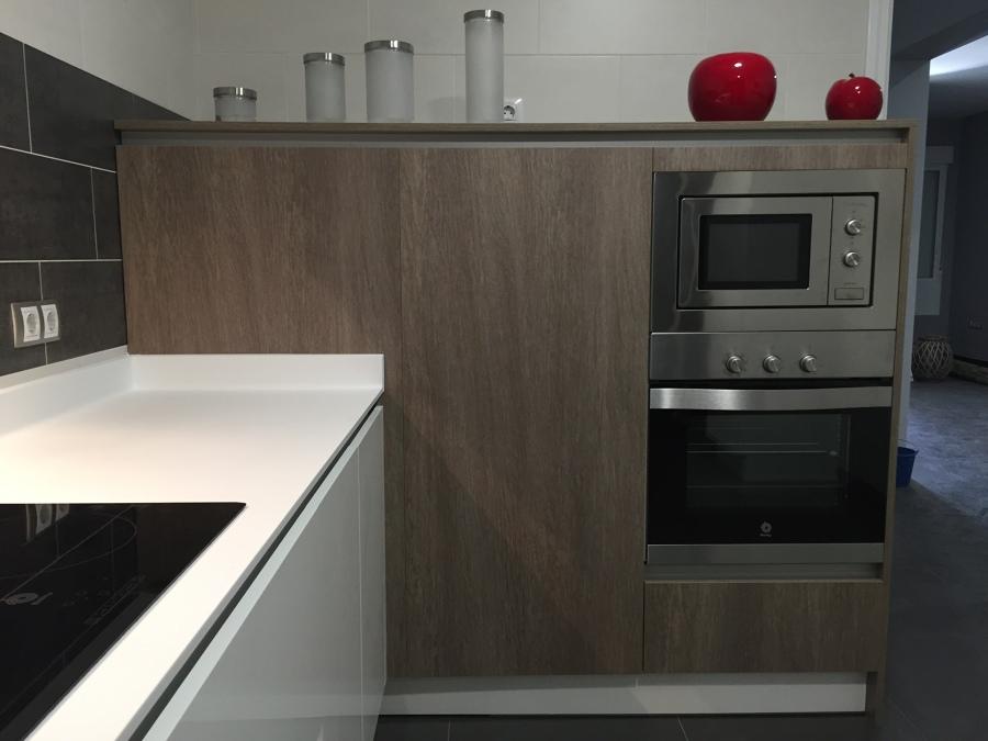 Cocina de pedro y maria ideas reformas cocinas - Columna horno y microondas ...