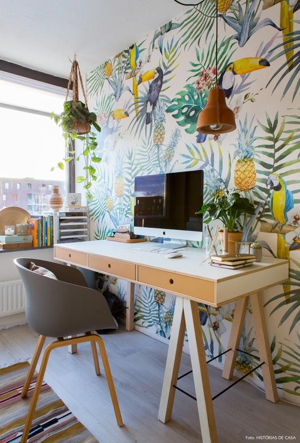 Zona de trabajo con papel pintado