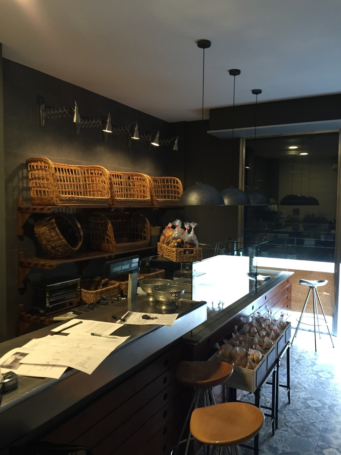 Zona de venta de panaderia-cafeteria
