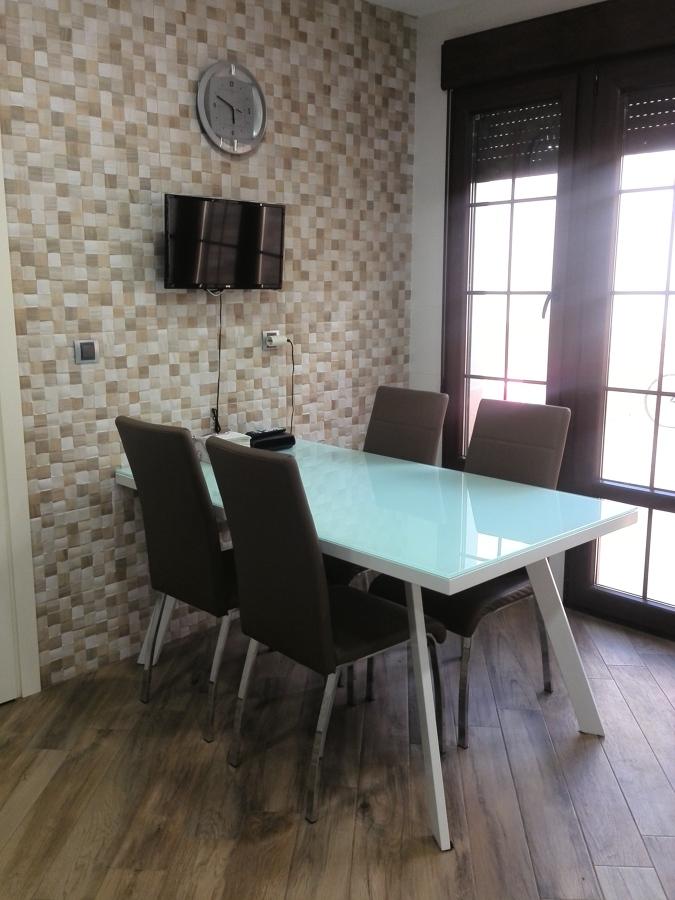Zona mesa y sillas