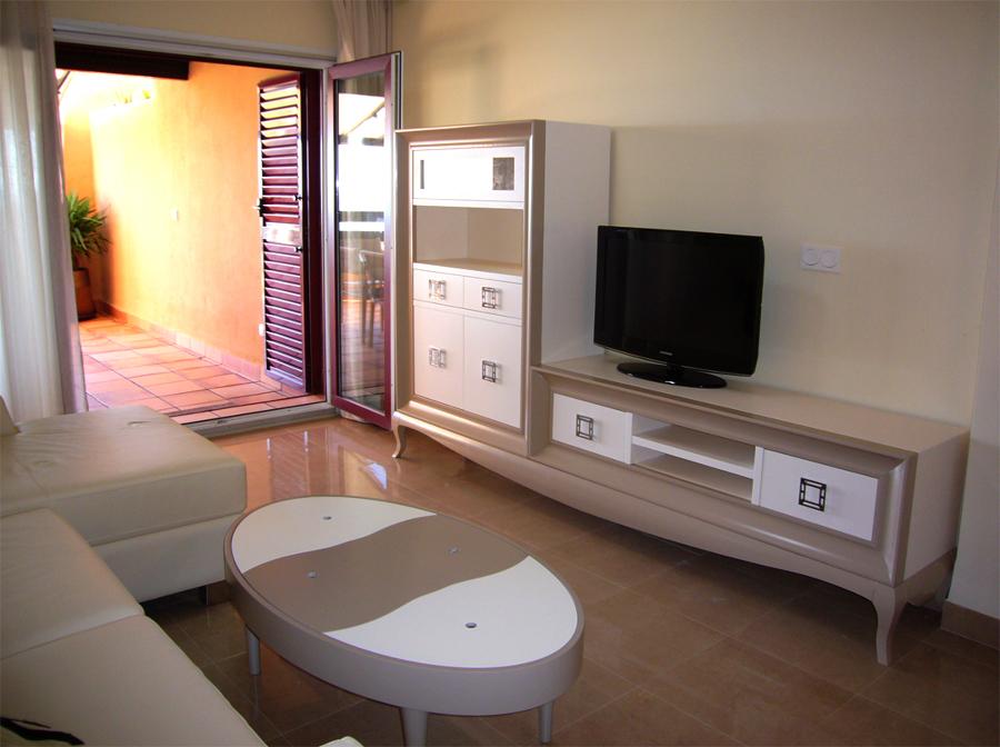 Zona salón: mueble televisor