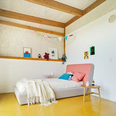 Dormitorio infantil suelo linóleo