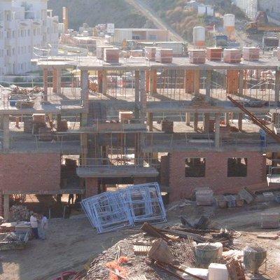 101 Viviendas En Calahonda (Málaga)