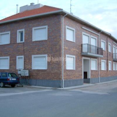 Construción de 10 viviendas con garaje en Encinas de Abajo