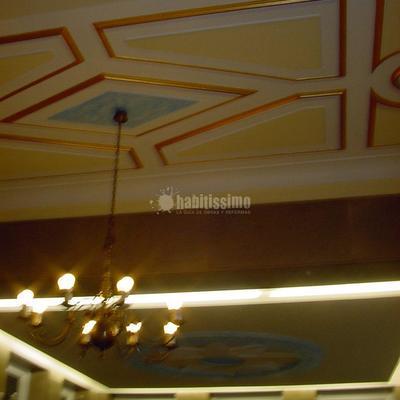 Pintado de vestibulo y escaleras de la Delegación del Gobierno en Cantabria