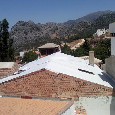 Cubierta y terraza con muchos encuentros y juntas