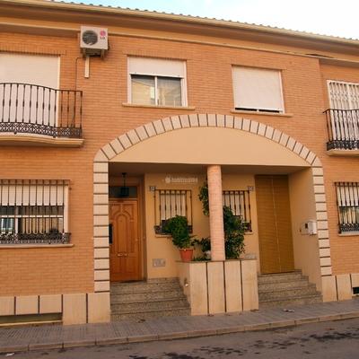 10 viviendas unifamiliares y garajes