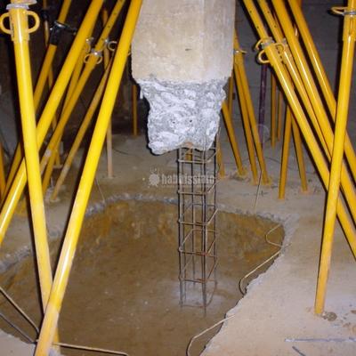 Restauración cimientos y zapatas bajo edificio construido