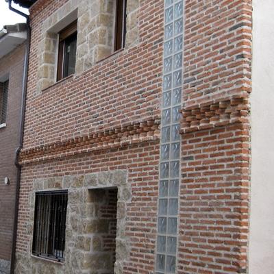 Vivienda Entre Medianeras En Ávila