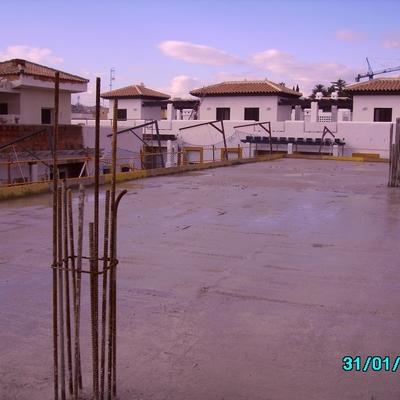 35 Viviendas  Garajes Y Trasteros