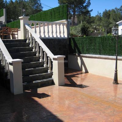 Terrazas y piscina