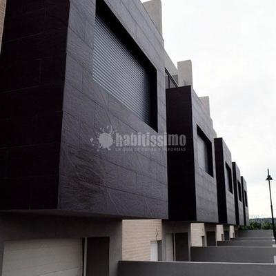 Cinco viviendas unifamiliares en Raferlguaraf