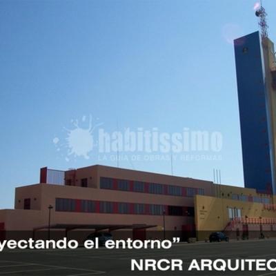 TORRE DE CONTROL Y CAPITANIA MARITIMA EN ALMERIA