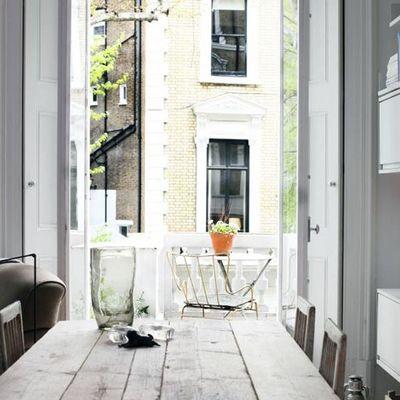 Mesas de madera recuperada para dar personalidad a tu hogar