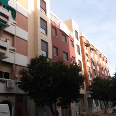 8 viviendas,trasteros y garajes, en córdoba. C/ Infanta doña María