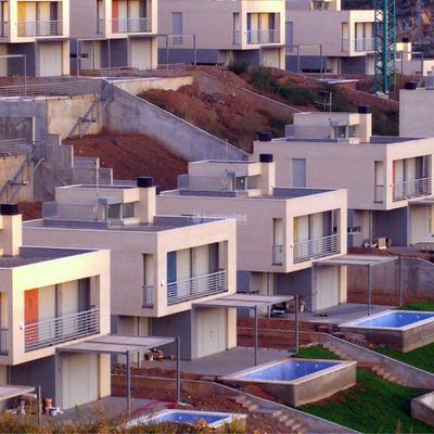 27 villas individuales