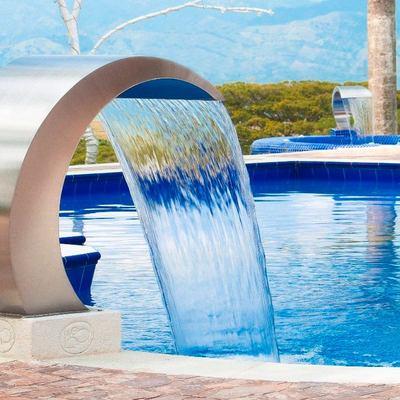 Ideas y fotos de agua piscina para inspirarte habitissimo for Chorros para piscinas precios