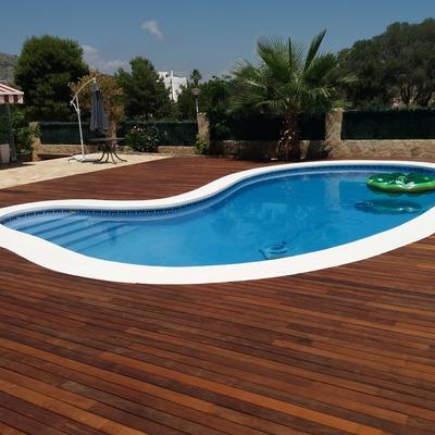 Instalacion de tarima de Ipe en piscina