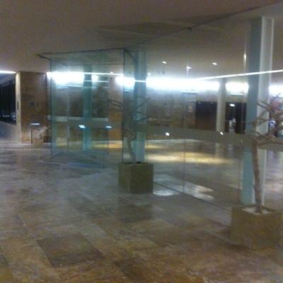 Acristalamiento y montaje de puertas automáticas en Parador Nacional del Saler
