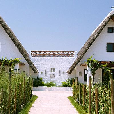 Un salón de eventos que rememora las barracas valencianas