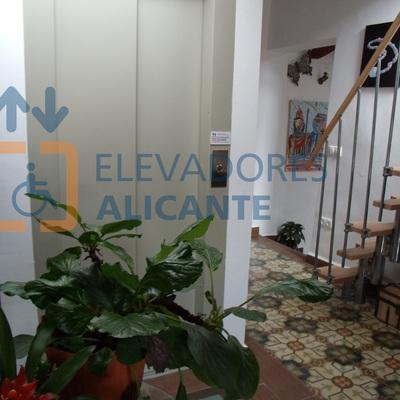 Acondicionamiento de vivienda rural centenaria para la instalación de elevador en el municipio de Castalla