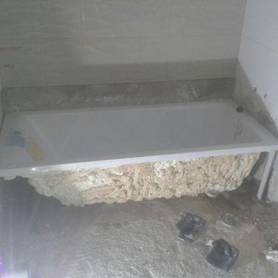 Instalación de bañera en reforma de baño