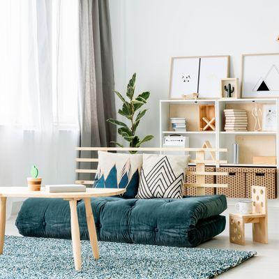Los 7 trucos de un decorador para un salón pequeño