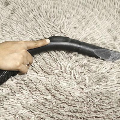 Consejos para un verano más confortable: guardar las alfombras